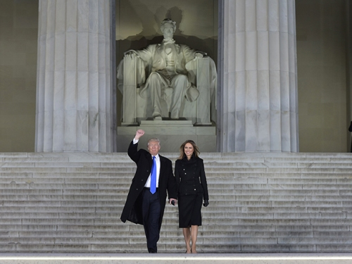 donald-trump-melania-trump-lincoln-memorial-inaugural-concert-jan-19-2017-getty
